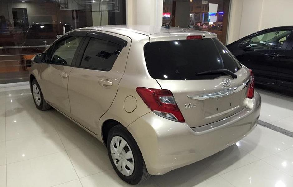 Toyota-Vitz-2014